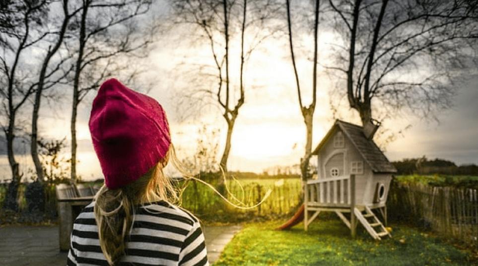 Il provvedimento di assegnazione della casa familiare trascritto prima del pignoramento non è opponibile alla procedura esecutiva della quale sia parte un creditore munito di ipoteca iscritta anteriormente alla trascrizione del provvedimento di assegnazione della casa.