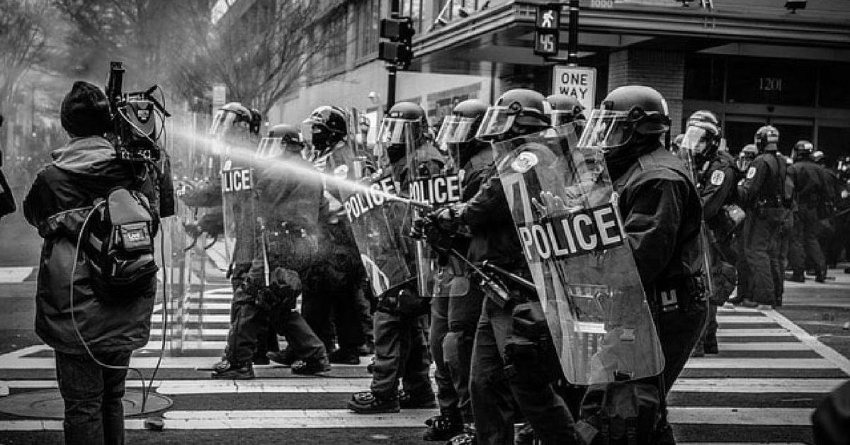 resistenza a pubblico ufficiale