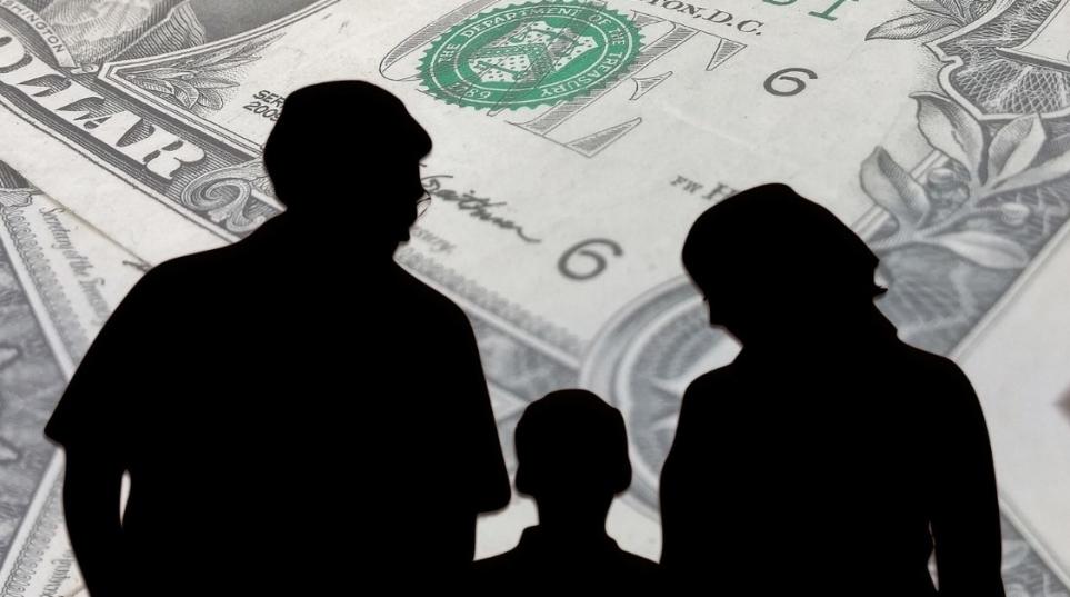 Mantenimento dei figli, Il genitore è tenuto anche se questi si rifiutano di vederlo (Corte di cassazione, sez. VI, 30 gennaio 2019, n. 2735)